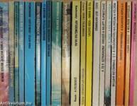 """""""20 kötet a Kozmosz Fantasztikus Könyvek sorozatból (nem teljes sorozat)"""""""