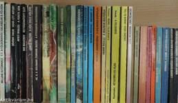 """""""30 kötet a Kozmosz Fantasztikus Könyvek sorozatból (nem teljes sorozat)"""""""
