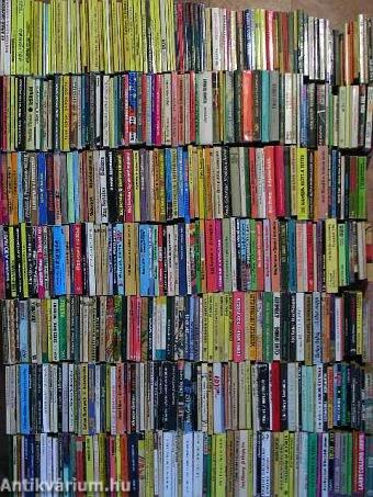 """""""500 kötet akció-, kaland- és bűnügyi regény"""""""