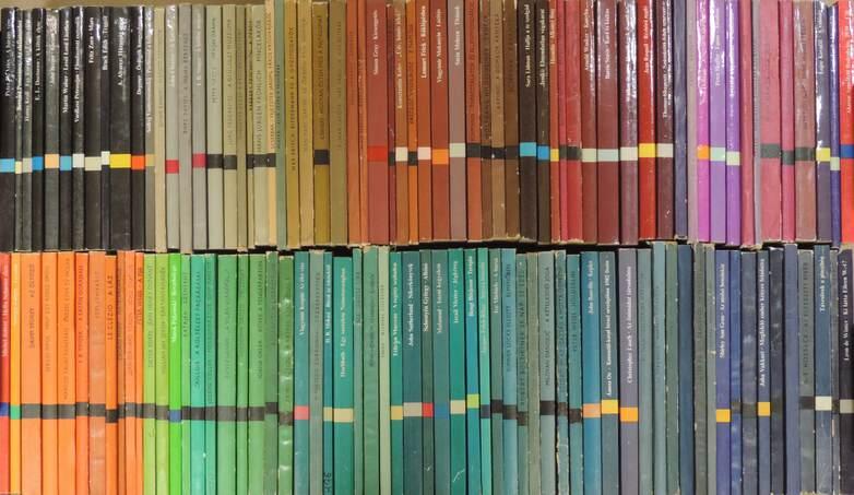 """""""125 kötet a Modern Könyvtár sorozatból (nem teljes sorozat)"""""""